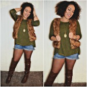 """""""6 Ways To Wear Shorts This Fall"""" OUTFIT DETAILS: https://thehoneygoldguru.com/2016/10/12/6-ways-to-wear-shorts-this-fall/"""