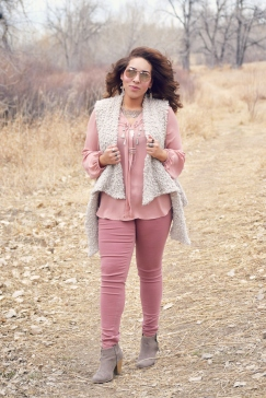 """4 Ways to Wear (Pink) Jeggings: Spring Edition"" OUTFIT DETAILS: https://thehoneygoldguru.com/2017/02/22/4-ways-to-wear-pink-jeggings-spring-edition/"