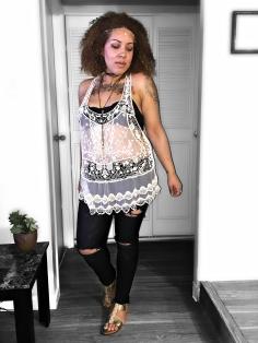 """Coachella Outfits 2017 | Weekend 2"" https://thehoneygoldguru.com/2017/04/22/coachella-outfits-2017-weekend-2/"
